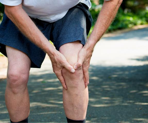 Zakaj nastane ravmatoidni artritis?